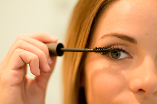 How To Apply Eyeliner With Perfection