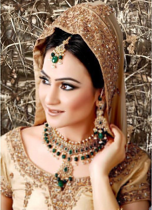 Latest & Beautiful Bridal Jewellery Sets 2013 in Pakistan (3)