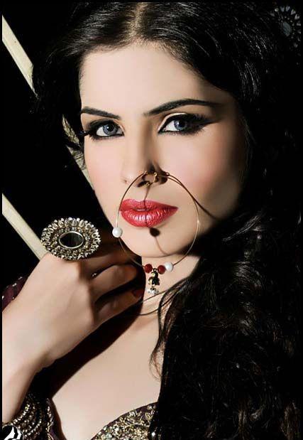 Latest Trend By N-Pro Nabila Salon Bridal Makeup & Hair Styles (2)