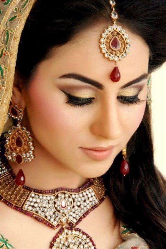 Pakistani New Party Makeup Ideas 2013-14