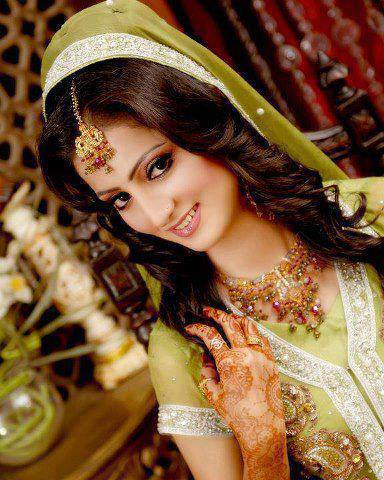 Bridal Latest Beautiful Hairstyles Fashion 2013-2014 For Pakistani Women (4)