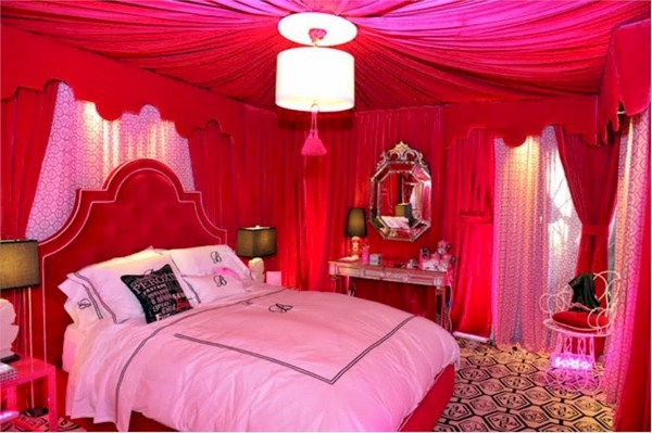 Bridal Room Decoration ideas 2013 flower and lights 012