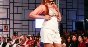 Mathira's Another Scandal Video at Fashion Pakistan Week