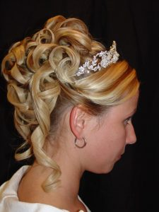 Stylish Christmas hairstyles Ideas 2013 For Women