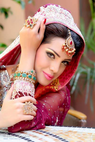 Keepsakes Brides Best Makeup & Jewellary Design 2014 For Women (4)