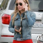 Hilary Duff New Skinny Jeans with a Denim Jacket 2014 (4)