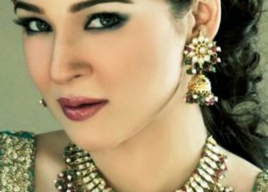 Pics of actress Ayesha Omer