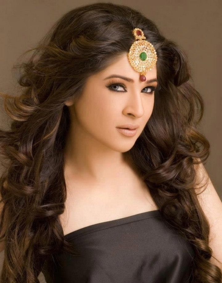 Pakistani actress Ayesha Omar Profile Biography Pictures