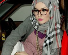 Hijab style For Round Face With Glasses & Wear Tips