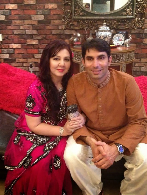 Pakistani Cricketers With Their Gorgeous Wives- Grilfriend