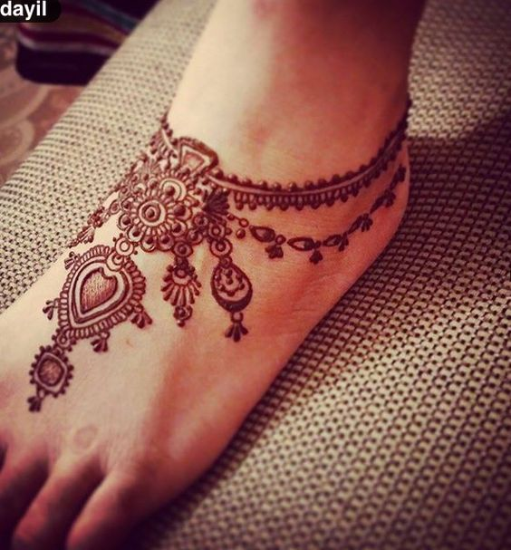 Pretty Amp Latest Eid Mehndi Designs 20162017 Girls
