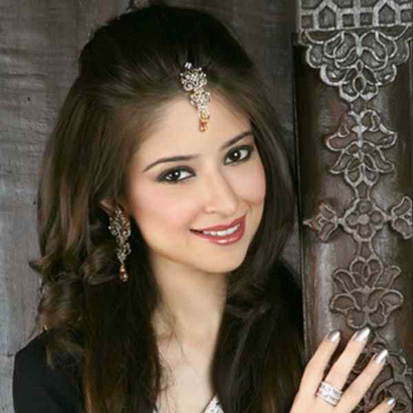 Pakistani Fashion Latest Hairstyle & Makeup For Eid Ul