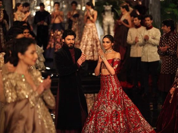 Fawad Khan Mumbai fashion show at the four moons