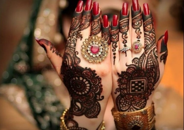 Beautiful Wedding Walima Mehndi Designs For Bridal