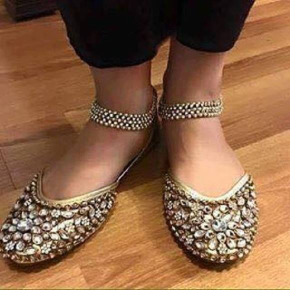 Bridal Wear Latest Khussa Designs 2017- Bridal FootWear