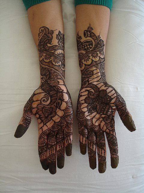 Beautiful Wedding Walima Hand Mehndi Designs Pics For Bridal