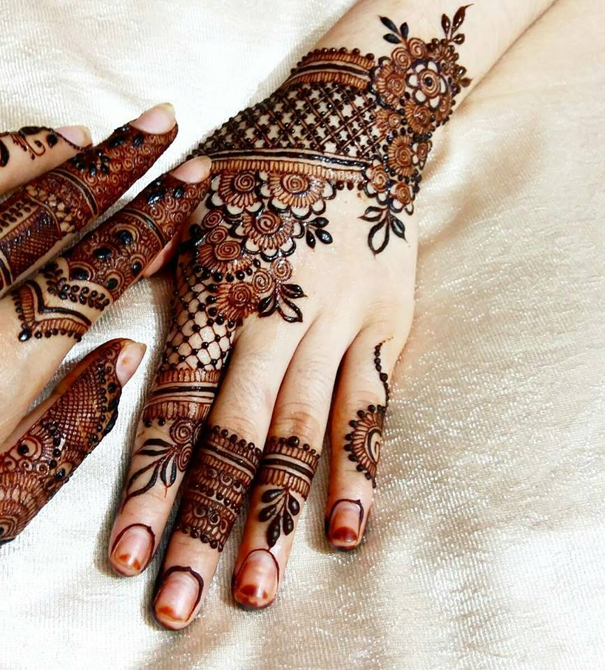 Mehndi design 2017 eid - New And Even Green Mehndi Have Been Used To Fill The Leaf Designs