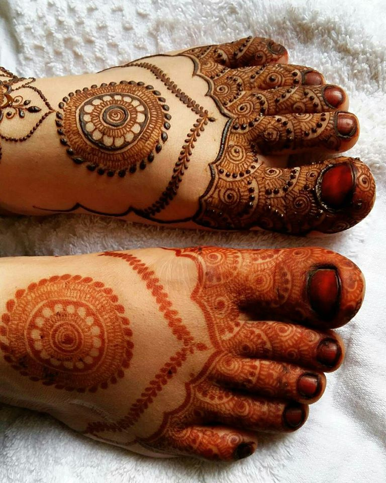 Beautiful Henna Designs For Pakistani Girls & Women 2017