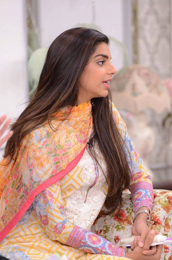 Sanam Saeed Nude Photos 17