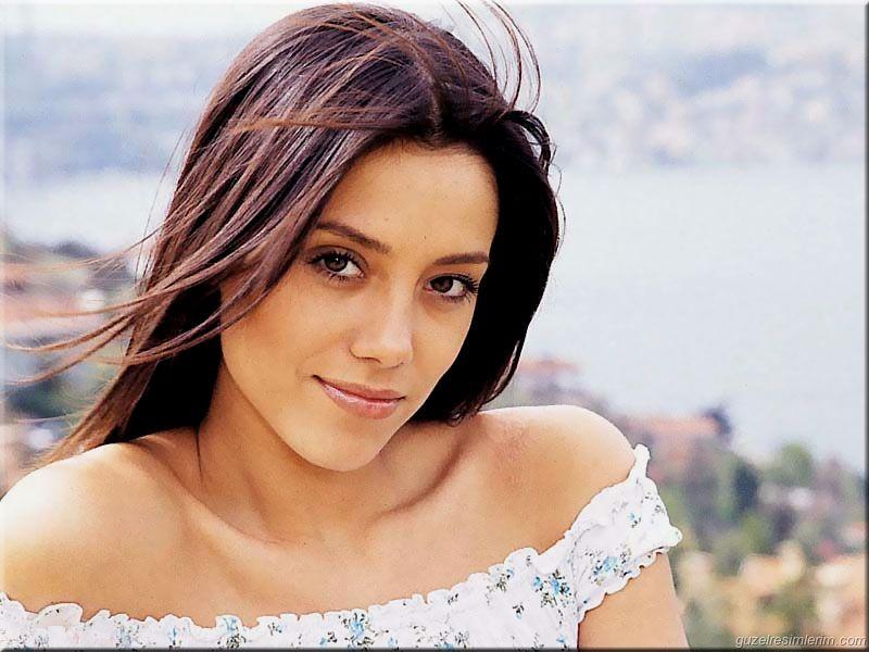 Fabulous Top Ten Beautiful Turkish Actress