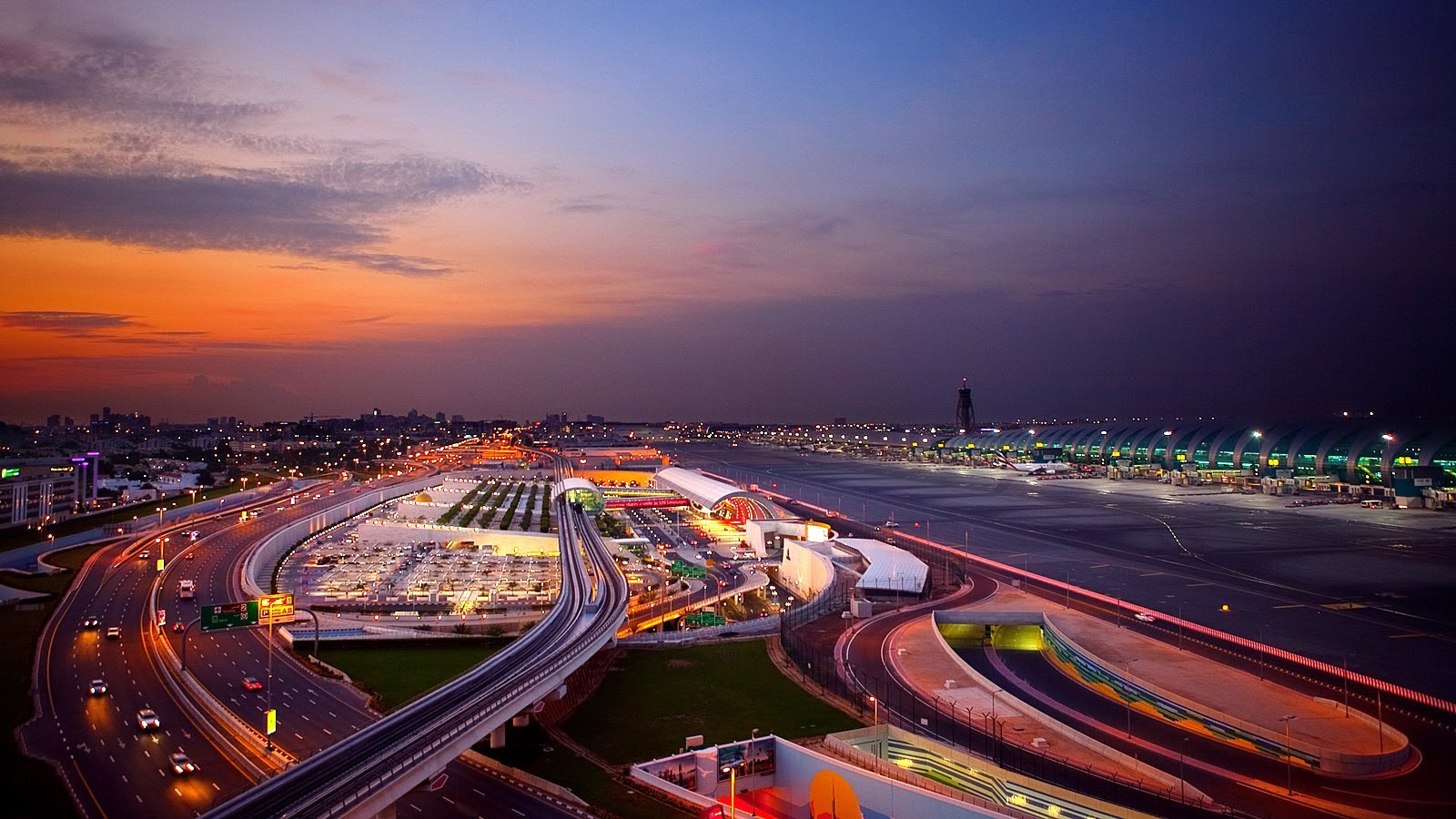 Famous Top Ten Biggest Airports in the World