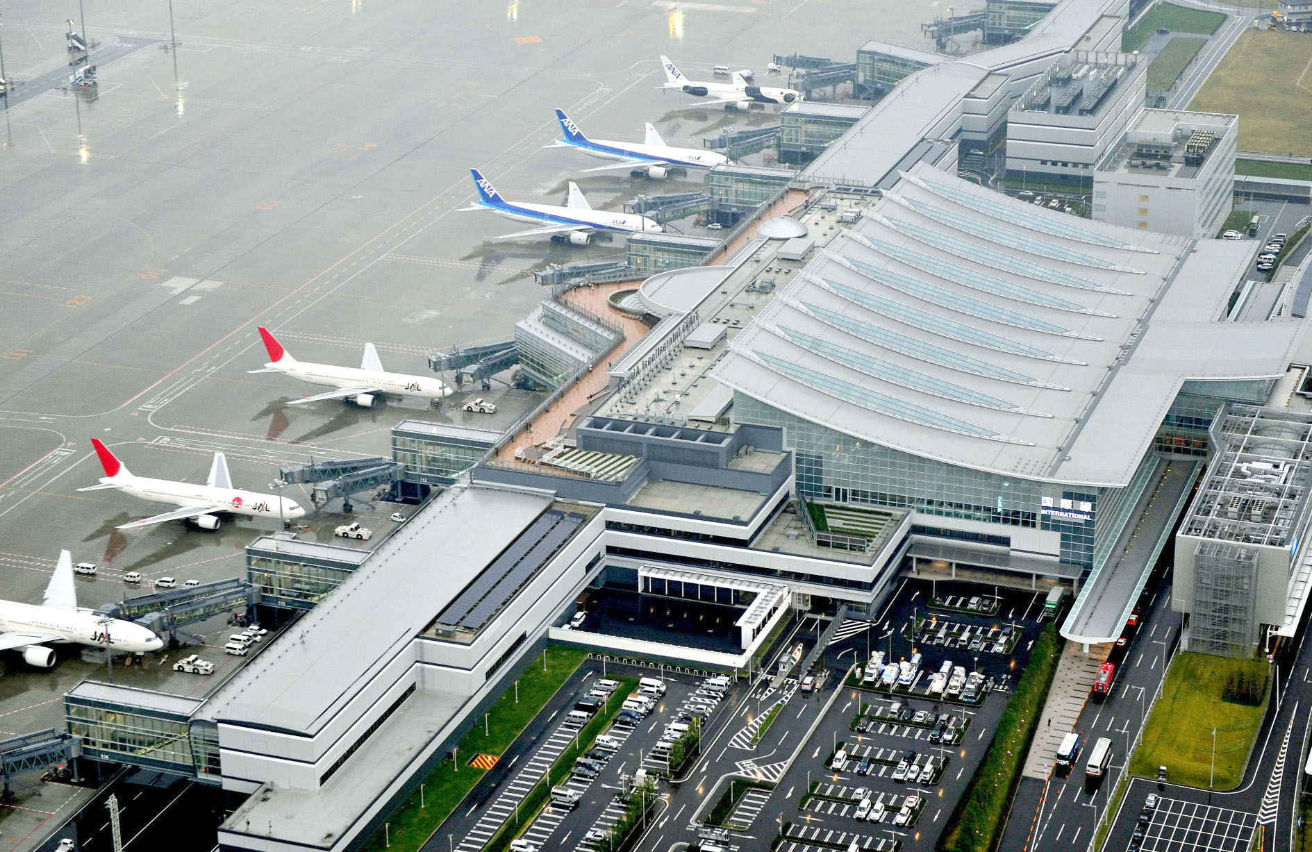 Prominent Top Ten Biggest Airports in the World